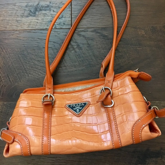 Prada Milano Small orange purse. M 5a466f26d39ca29d96114aab d493dab5464cf